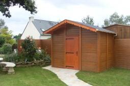 Cabane de jardin béton aspect bois