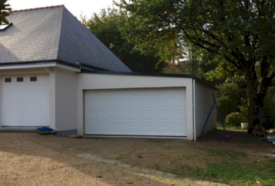 Garage Accolé DOIZON par ABRIDIS